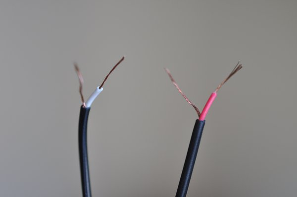 how to repair a headphone cable and replace a jack plug tested if you re using a single cable that you would expect to see on a pair of apple headphones you will have exposed two lengths of shielded wire and a single