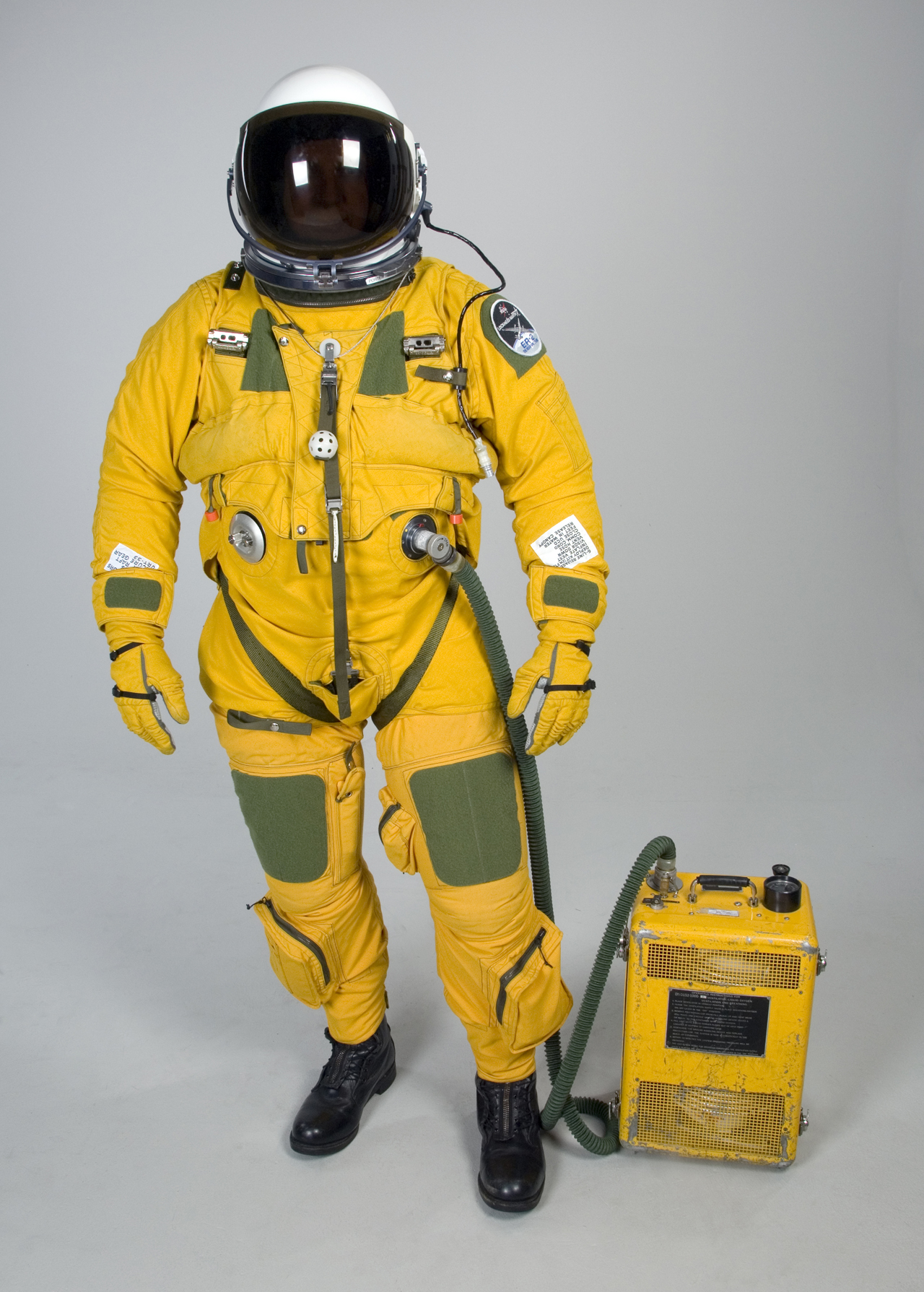 1000 images about space suit on pinterest space suits for Space suit design