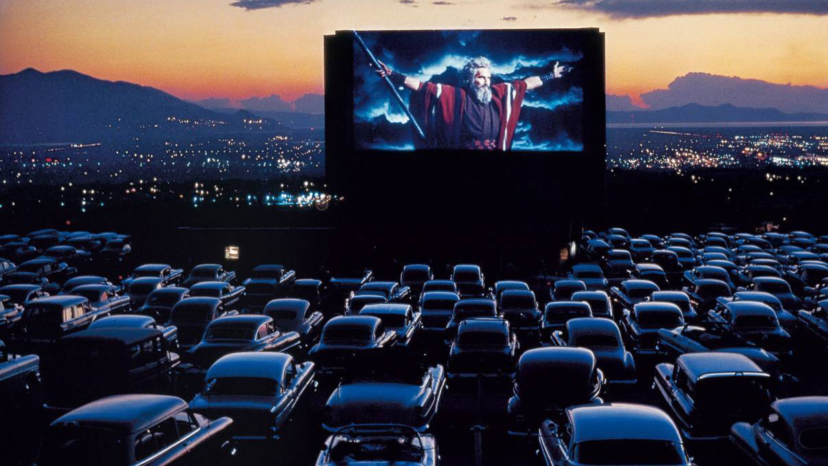57379-at-the-drive-in-classic-movies-698